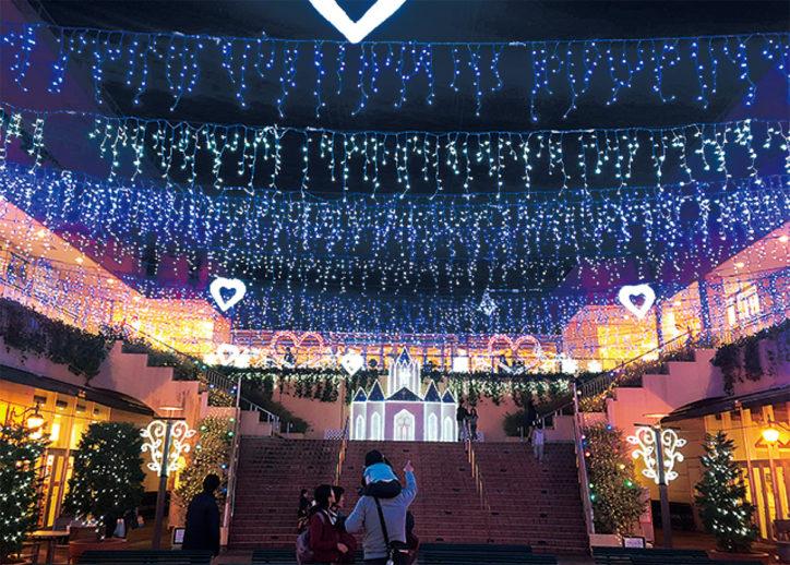 『Snow Crystal』光の雪原に包まれて トレッサ横浜(港北区)