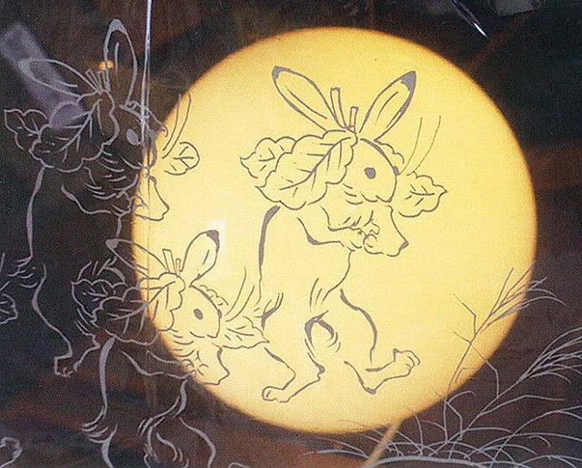 藤沢のアートギャラリーで『仲秋の月とウサギ展』9/26まで