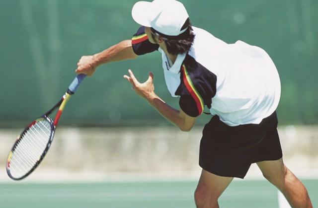 テニス教室の受講生募集 初めてから上級者まで@本牧市民公園