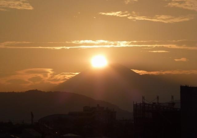 秦野でダイヤモンド富士観察シーズン到来