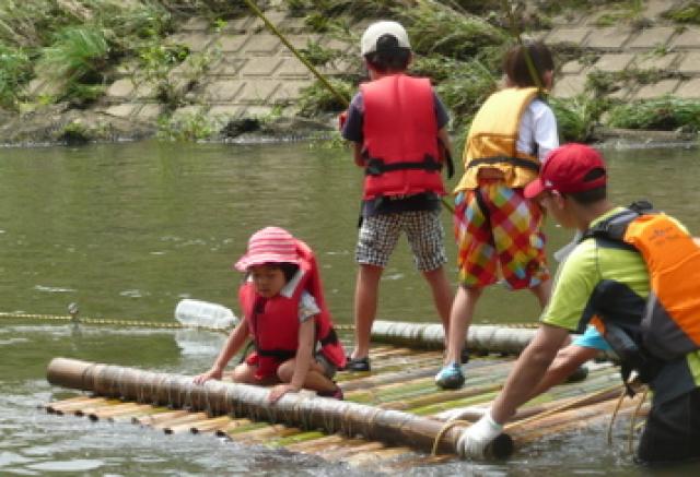竹でいかだを作って谷本川(鶴見川)下りを楽しもう!