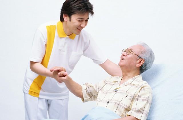 横浜市中区で看護師資格者の現場復帰研修