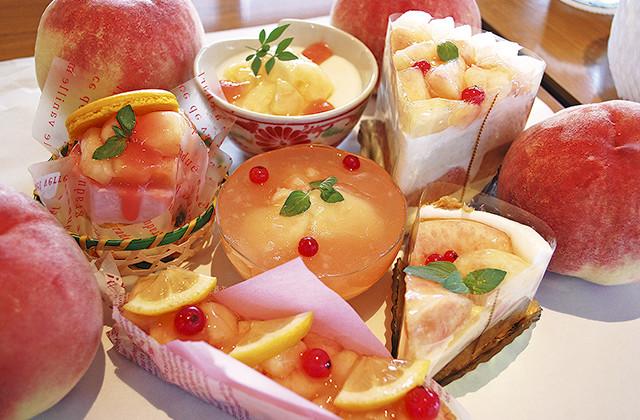 相模原のケーキ屋ら・ふらんすで「桃づくしフェア」