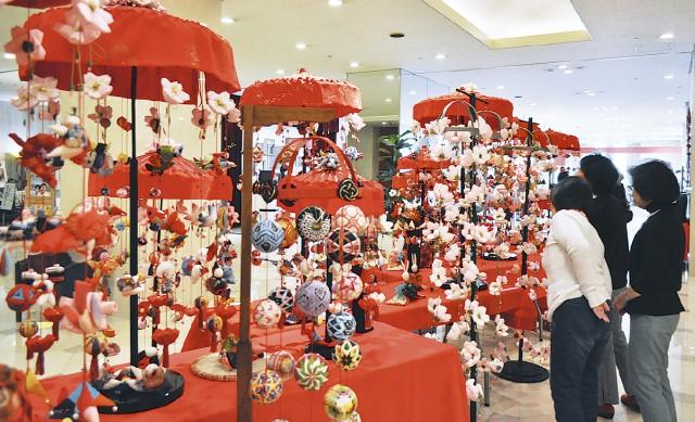 メルキュール横須賀 「傘福」つるし飾り