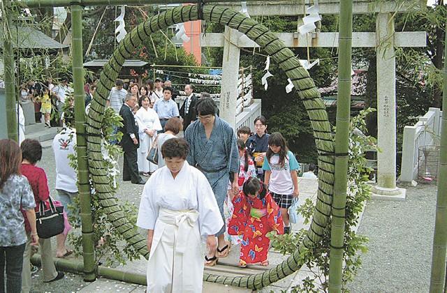 茅の輪をくぐり身を清め健康を祈願@横浜長津田王子神社