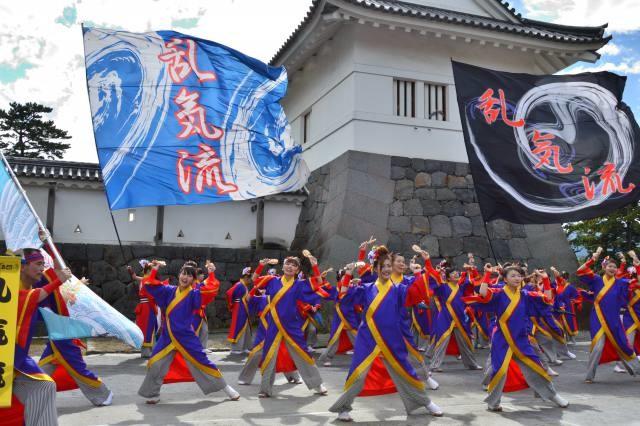 小田原秋の風物詩!色鮮やかに舞い踊る「ODAWARAえっさホイおどり」