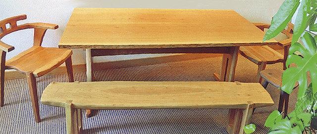 木のぬくもりをいかした家具。大工・齋藤登展