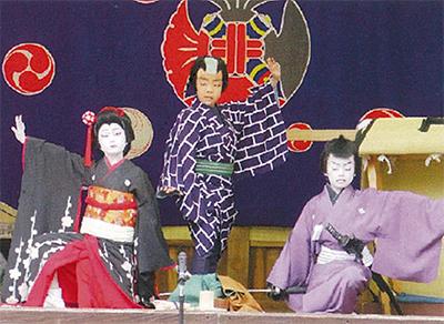 """横浜・橘樹神社で「こども歌舞伎」!3人の小さな歌舞伎役者が""""末広狩""""お披露目"""