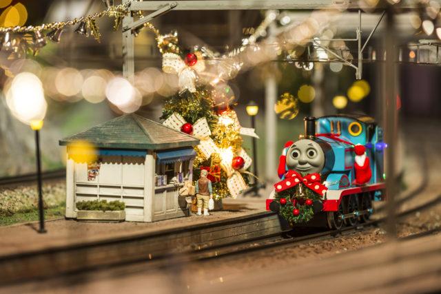 原鉄道模型博物館「きかんしゃトーマス」冬の特別列車&クリスマスツリー登場