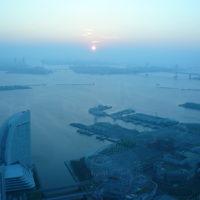 横浜ランドマークタワー69階で迎える新年・初日の出