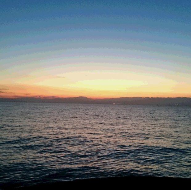 横浜から房総半島を望む初日の出を見よう!@横浜港シンボルタワー(中区本牧ふ頭)