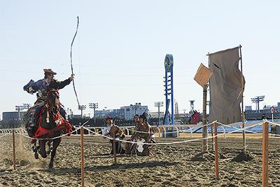 川崎競馬の流鏑馬を見に行こう 元旦からイベント盛り沢山