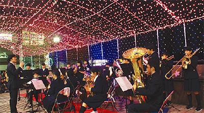 イルミネーション点灯に合わせた吹奏楽演奏会@弘明寺「さくら橋」