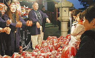 関東一早い飯泉観音「だるま市」ほか小田原市内4寺院で年末の風物詩