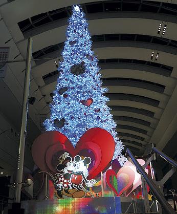 「ミッキーマウス&フレンズ」テーマにしたクリスマスツリー登場@クイーンズスクエア横浜