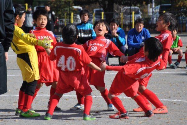 サッカーはじめませんか?小田原・矢作小学校でお菓子付き無料体験会