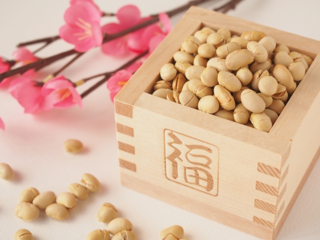 今年最初の「カモカモマーケット」は『かもじけ豆まき』!豚汁無料配布も