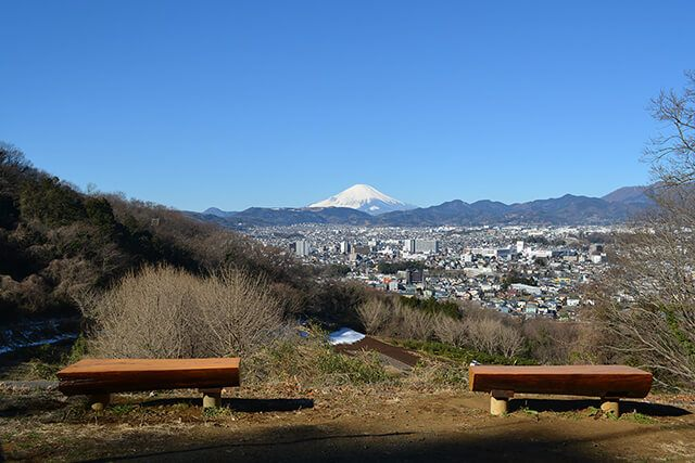 浅間山の麓/わざわざ行きたい富士山展望スポット【駐車場あり】