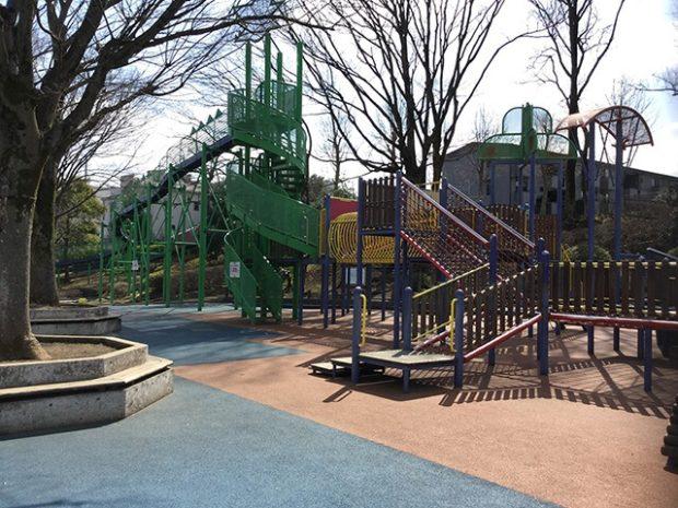 秦野市カルチャーパーク/駐車場無料で思いっきり遊べる公園