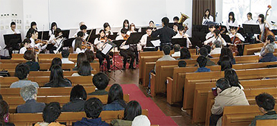 横浜薬科大学の教職員と在学生「ハマヤクオーケストラ」3月20日に初披露