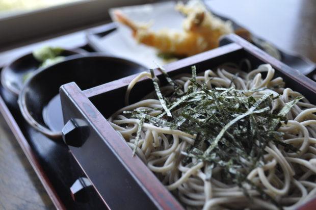 小田原春ドライブに「初代惣右衛門」相模湾の絶景といただく人気の自家製蕎麦