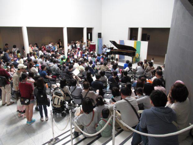 4月28日は入場無料のテアトルフォンテで影絵・紙芝居・コンサートを楽しもう!