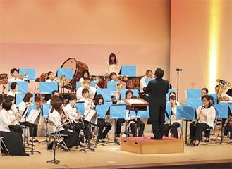 海老名市民吹奏楽団「ミニ音楽会」アラジンの名曲など披露