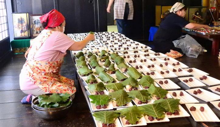 こどもの日に柏餅づくり!「鯉のぼりと五月人形展」も圧巻@横浜・長屋門公園