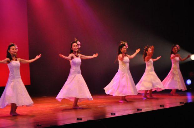 「綾瀬フラフェスティバル2018」参加募集!ステージいっぱいにフラの花咲かせよう