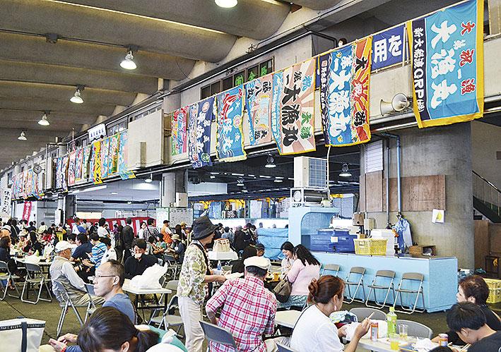 初夏の小田原漁港で「あじ・地魚まつり2018」鮮魚を買って食べて大満足!