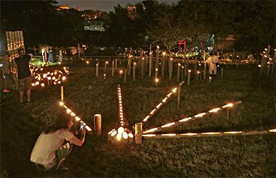 水面に揺れる幻想風景「竹灯篭の夕べ」5月26日・27日@厳島湿生公園(中井町)