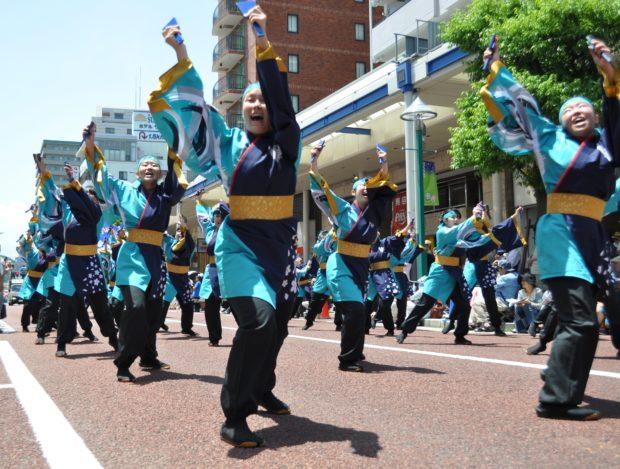 ひらつか初夏の祭り「湘南よさこい祭り2018」鳴子や音楽に合わせ1600人が演舞