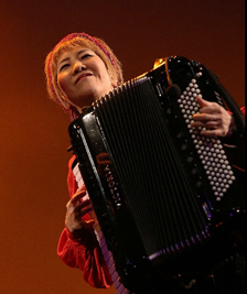 明治学院大学チャペル(横浜)で栗原武啓さんら無料コンサート 津軽三味線とアコーディオンのコラボも