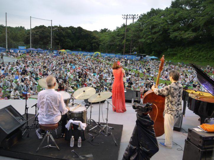夏の野外フェス「横浜旭ジャズまつり2018」日野皓正さんらビッグバンド登場
