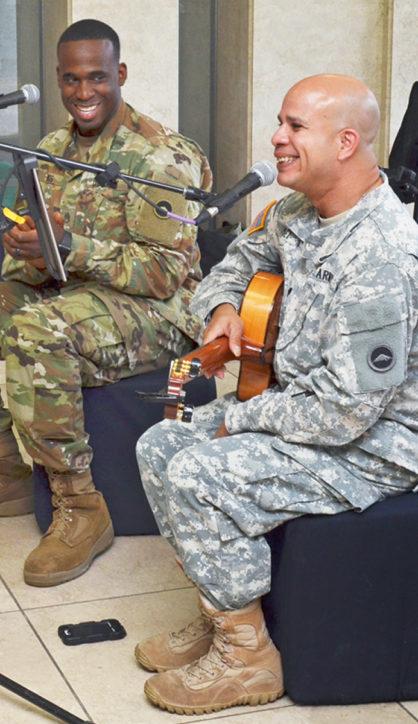 在日米陸軍群楽隊「ロビーコンサート」@座間市役所