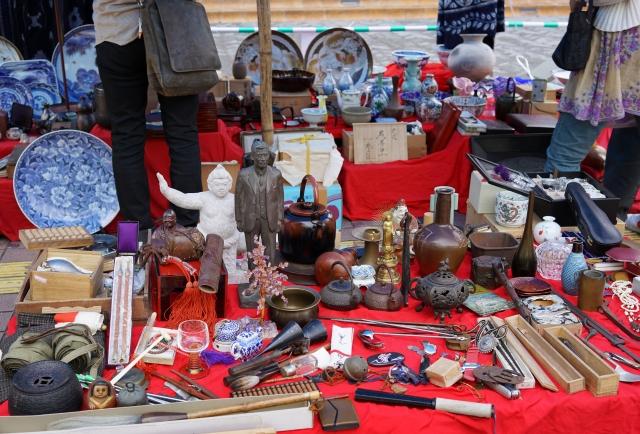 全国から集まった50店が出店「第17回鎌倉骨董祭」【7月14日・8月25日】
