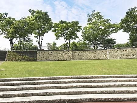 県立山岳スポーツセンター(秦野戸川公園内)/ボルダリングのメッカ屋内外に3つ完備