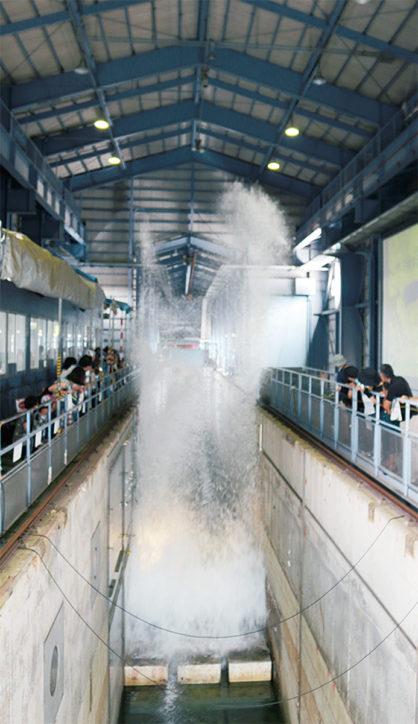 津波実験の見学やドローンのフライトシュミレーター体験も!国総研「一般開放」