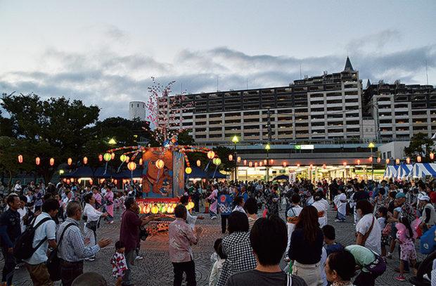 本郷台駅前でお祭りだ!充実の屋台、神奈川県警音楽隊、横浜見聞伝スタージャンもやって来る!