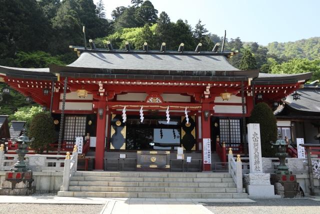 大山阿夫利神社で「山の日イベント」芳晴さんの二胡演奏ほか