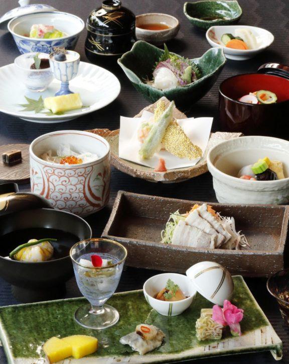 「ホテルモントレ横浜」家族で楽しむ日本料理の昼・夜会席 個室あり七五三などお祝いに【横浜市中区】