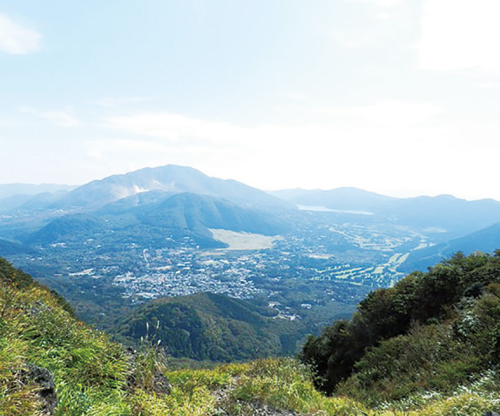 火山の景色を眺めながら箱根の外輪山を巡るロングトレッキングが10月6日(土)開催!