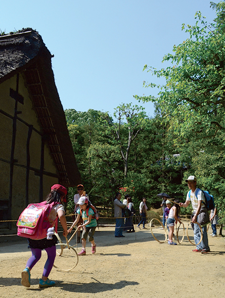 『民家園まつり』は無料開園日!国指定有形民俗文化財で見る「歌舞伎」や「むかしあそび」など【11月3日】
