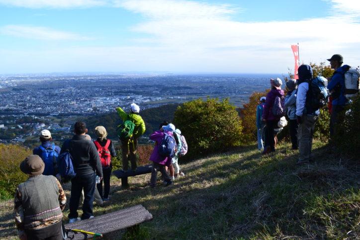 秋の紅葉と相模湾の眺望を楽しむハイキング!12月1日(土)開催@いせはら塔の山公園緑地公園