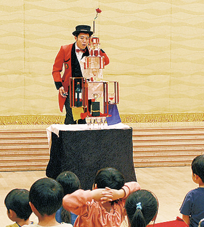 清川村役場庁舎付近に3万球以上のイルミネーション!毎年バージョンアップ