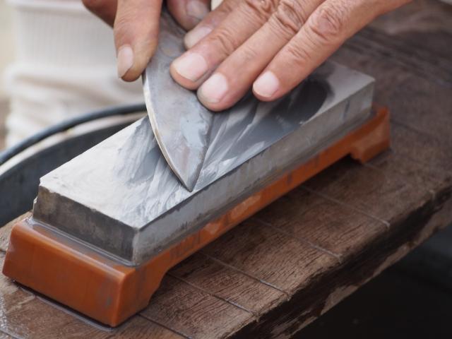 包丁研ぎやまな板削りほか「どけんまつり」@パルテノン多摩大階段下