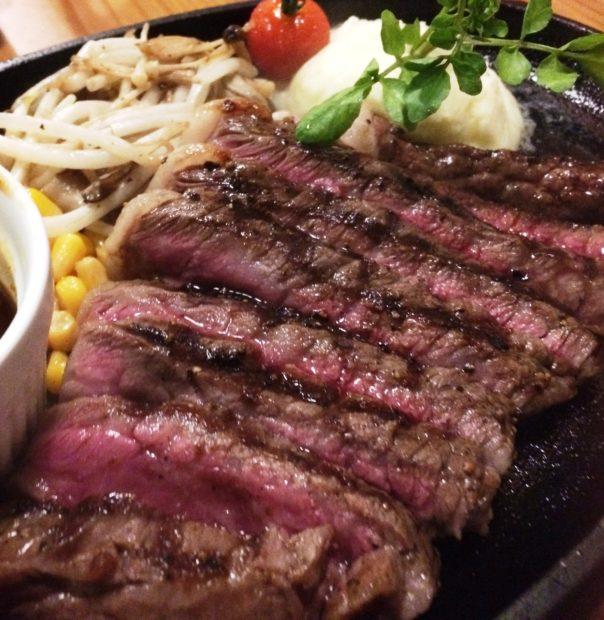 今宵はお肉にスイッチオン!小田原で味わうダイナミックなお肉料理のバル、MAA's MEAT BAR