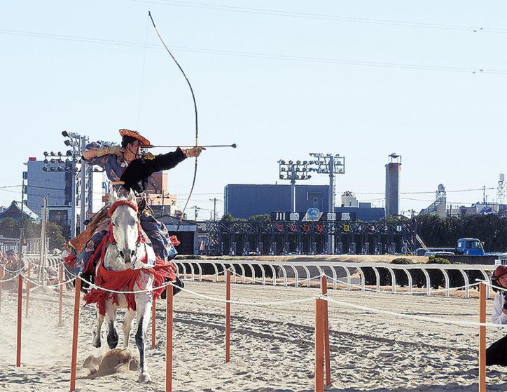 お正月は川崎競馬場で運試し!スピードくじや北海道十勝物産展、流鏑馬も