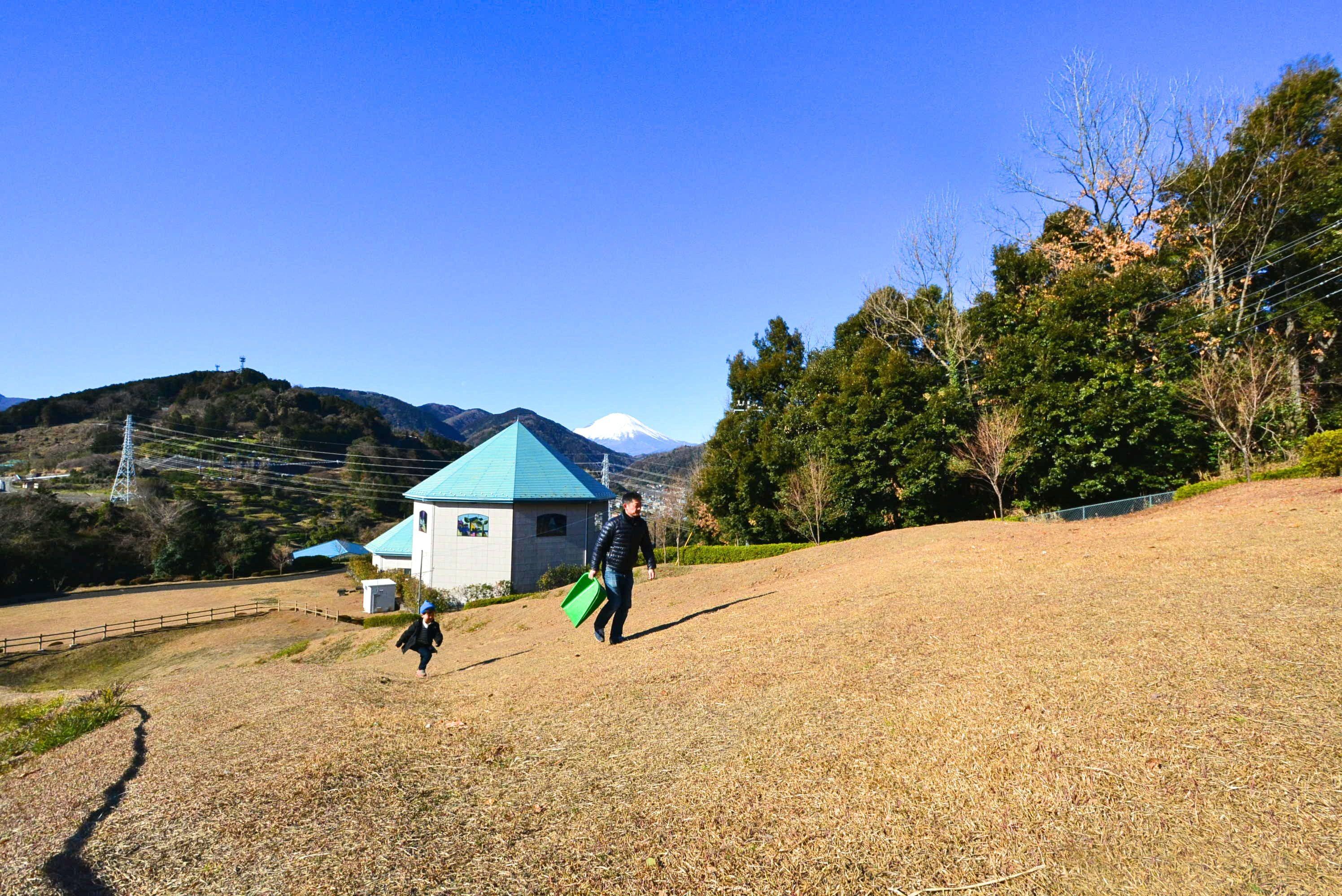 【海と山の絶景物件レポ】山北町にあった!富士山&相模湾望む〝田舎リゾート〟