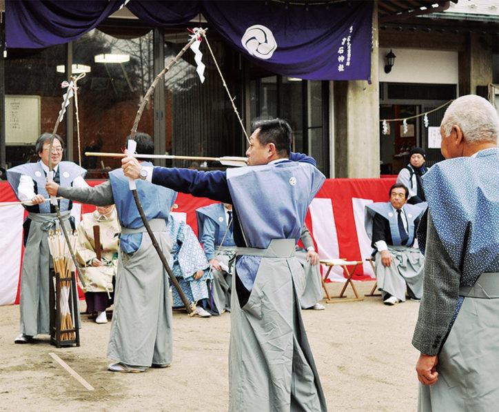 高石神社で流鏑馬「年初の願い矢に込めて」一般参拝者も挑戦【川崎市麻生区】